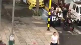 Video: Conductores invaden obras de ciclorrutas en Bucaramanga
