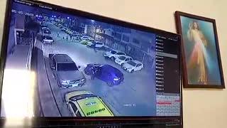 Video: Concejal golpeó con correa a joven que al parecer estaba violando la cuarentena en Girón