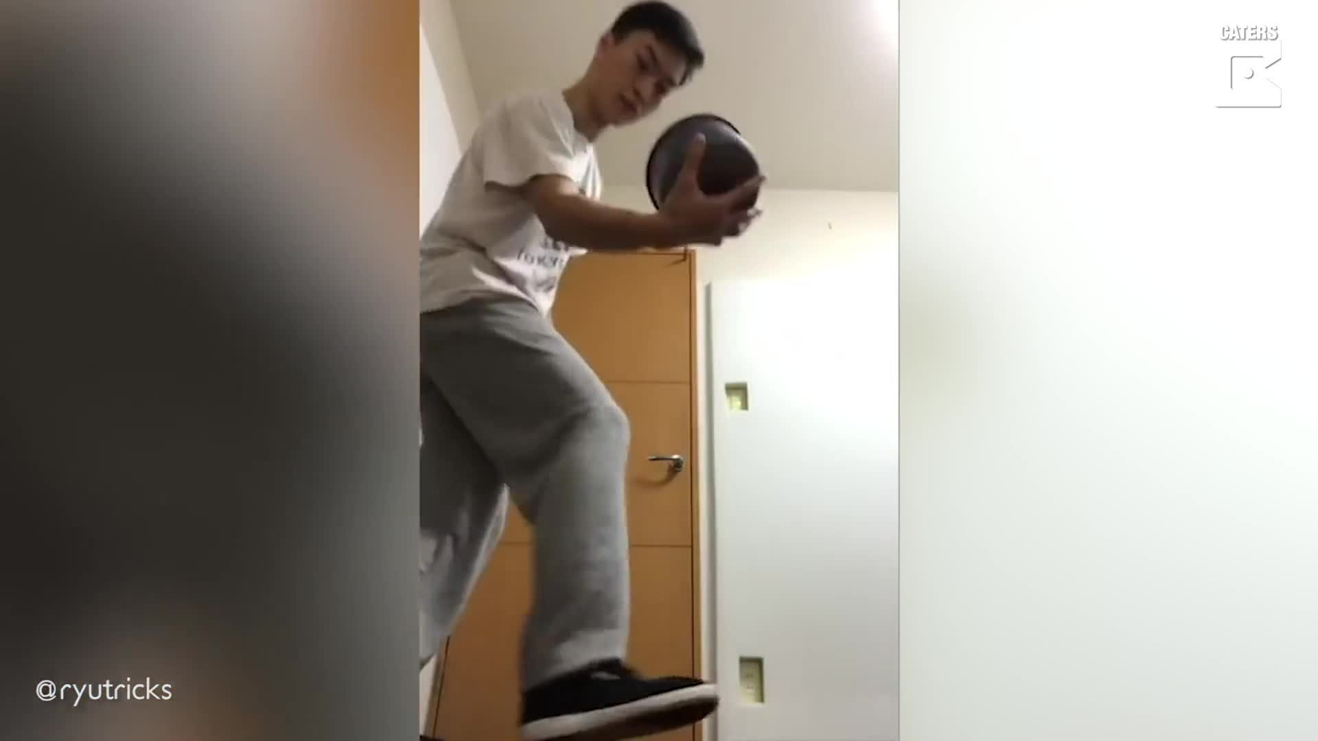 ON YOUR HEAD! PROFESSIONAL FREESTYLE FOOTBALLER PULLS OFF KEEPIE UPS WITH EVERYTHING FROM BOOKS, SUSHI AND KNIVES