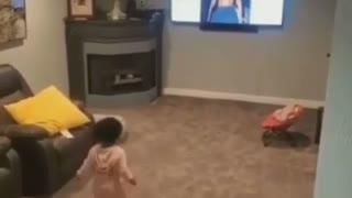 Amazing baby dancing