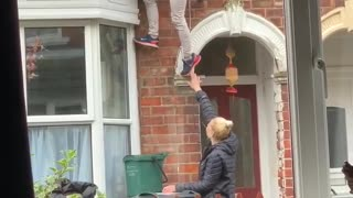 Lost Key Leads to Human Ladder Fail