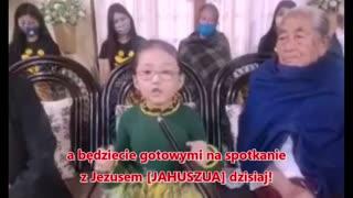Azja dziewczynka wypowiada słowa zachęty dla świata!