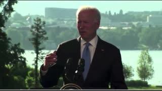 "Joe Biden Accidentally Calls Putin ""Trump"""