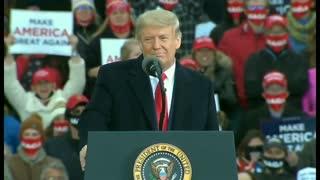 Crowd ERUPTS into We LOVE Trump 10-17-2020