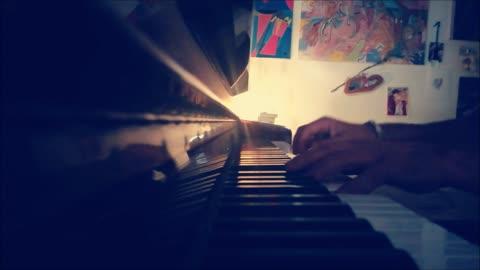 ALMENO TU NELL'UNIVERSO di Mia Martini - mini piano-cover