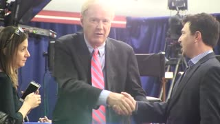 """Chris Matthews shoves man who inquires about leg """"thrill"""""""