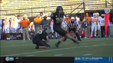 Wow! A woman kicked an extra point in Men's College football