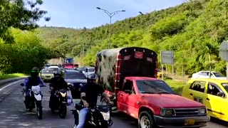 Dos motociclistas resultaron heridos tras accidente en Autopista de Floridablanca