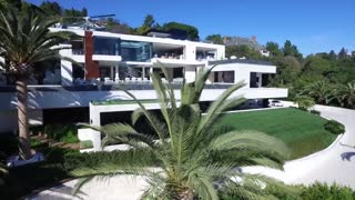 check out this incredible luxury home located in California-USA