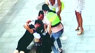 Kid injured after falling into manhole in China
