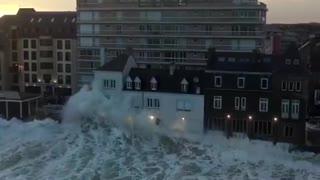 Powerful waves!!!!