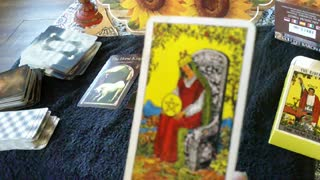 Daily tarot 3 card spread November 10, 2020 all signs