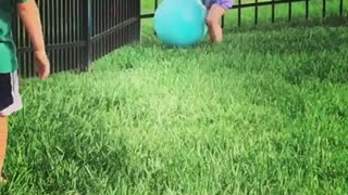 Sweet little girl puts hilarious end to big brother's game
