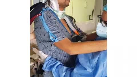 Personal de salud de la FCV celebró el día del padre a sus pacientes COVID