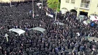 Thousands of ultra-Orthodox Jews defy lockdown