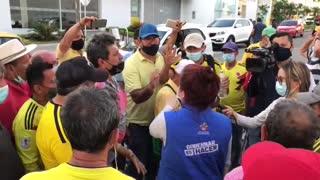 Paro de conductores | Representantes de la Alcaldía en la Puerta del Sol