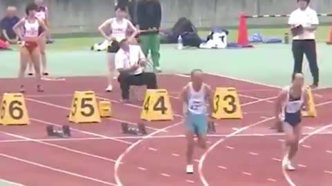 Watch this inspiring runner completing the race