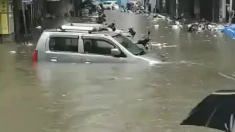 Mumbai capital city rain