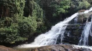 Beautiful waterfall 💫