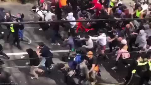 Melbourne Australia protests - Riot In Victoria - Lockdown, Forced Vaccine Mandates