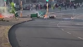 Protesters block M19