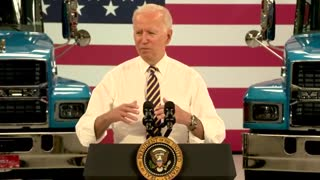 Joe Biden Confuses Obama With Trump In Shocking Moment...>!!