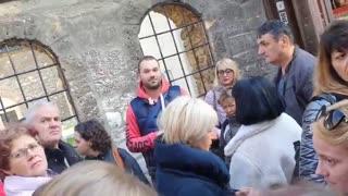 Pogledajte kako lažni turistički vodiči iz Srbije varaju turiste u Sarajevu