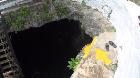 Jumping into cenotes