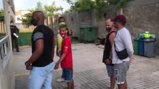Jóvenes que protagonizaron broma en redes se presentaron a la Policía