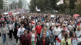 Miles de personas piden en Minsk la renuncia de Lukashenko