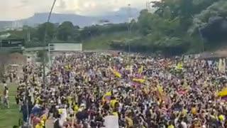 e desarrollan las manifestaciones por la autopista entre Bucaramanga y Floridablanca