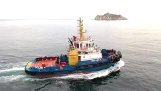 Barco remolcador en Cartagena