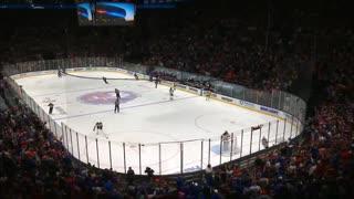 Entire Crowd Sings National Anthem Before Islanders Game