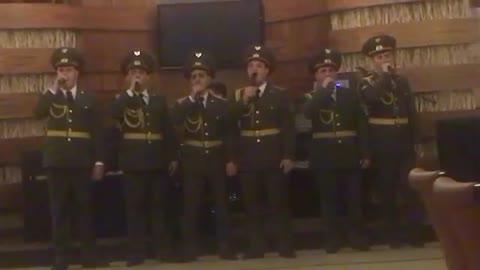 Όταν Αρμένιοι Ευέλπιδες τραγούδησαν: «Η Ελλάδα ποτέ δεν πεθαίνει»