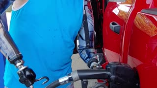Amputee Operates Gas Pump With Ease