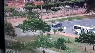 Impresionante video registró la muerte de un motociclista