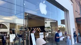 Apple cumple 45 años mientras continúa reinventandose [Video]