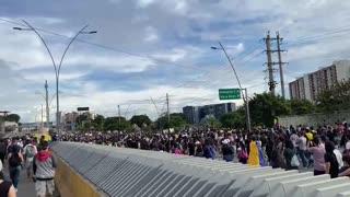 Video: Avanza la marcha de este lunes en Bucaramanga 3
