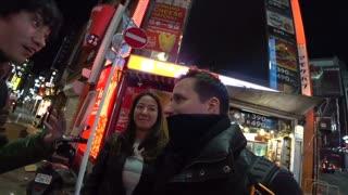 Streamer Helps Girl away from Stranger