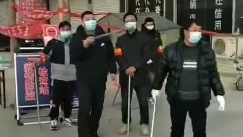 2021年1月13日 中國疫情爆發 防疫人員又有權管人了