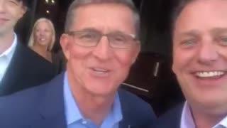 弗林將軍最新視頻 看他笑得那麼開心 是不是好事將至了 等待川普總統王者歸來