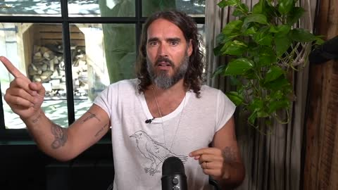 """Super-sleuth, Russell Brand, finally realizes 'Russia Collusion"""" was a Democrat Hoax."""