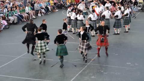 Scottish 'Broadswords' Dance