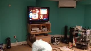 Spencer playing fruit ninja VID 20180707 201047