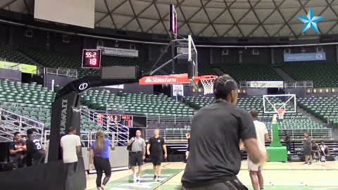 Los Angeles Clippers open preseason camp in Hawaii