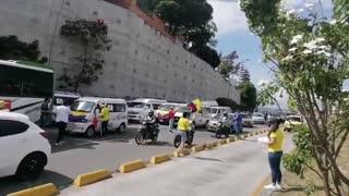Protesta de transportadores especiales 25M autopista