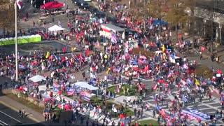 Trump Supporters Rush To See Trump Motorcade | The Washington Pundit