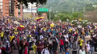 Video: Avanza la marcha de este lunes en Bucaramanga 2