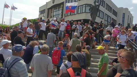 chcemeslobodu.sk - protest pred Národnou Radou 24.07.2021 - část 3