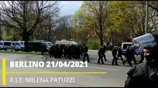 BERLINO 21/04/2021 VIDEO ESCLUSIVO DALLA MANIFESTAZIONE CONTRO LA SVOLTA ANTIDEMOCRATICA